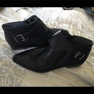 7 For All Mankind sleek booties.
